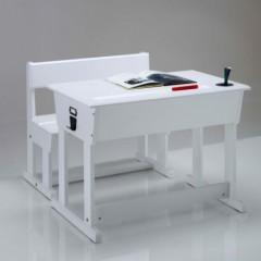 bureau enfant am nager un espace de travail dans la. Black Bedroom Furniture Sets. Home Design Ideas