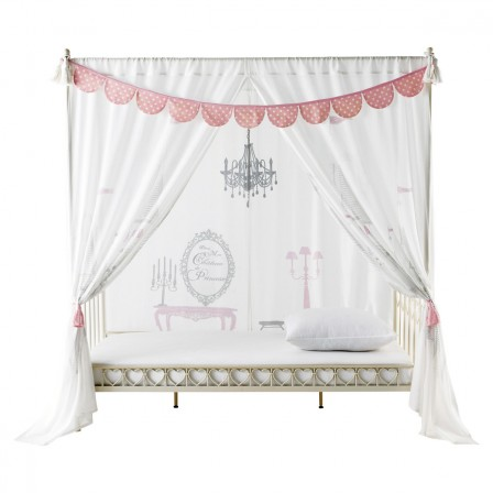 ciel de lit rose pour d corer une chambre de fille en chambre de princesse d corer. Black Bedroom Furniture Sets. Home Design Ideas