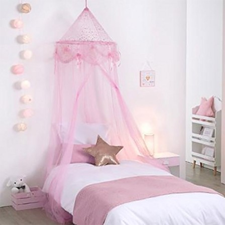 chambre de princesse pour petite fille best lit de. Black Bedroom Furniture Sets. Home Design Ideas