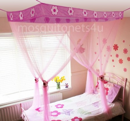 ciel de lit rose pour d corer une chambre de fille en. Black Bedroom Furniture Sets. Home Design Ideas
