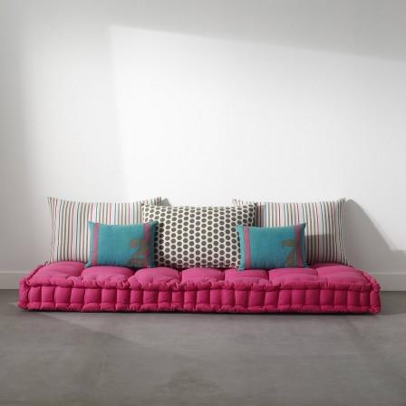 Matelas futon coussin de sol capitonne detente et for Tapis exterieur avec matelas canapé futon