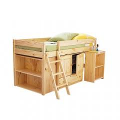 Chambre enfant bois delphine imbert le bois est for Peindre un lit en bois
