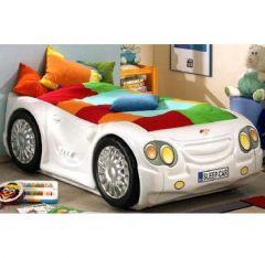 Un lit voiture original pour une chambre de gar on une id e d co sympa pour - Lit pour enfant voiture ...