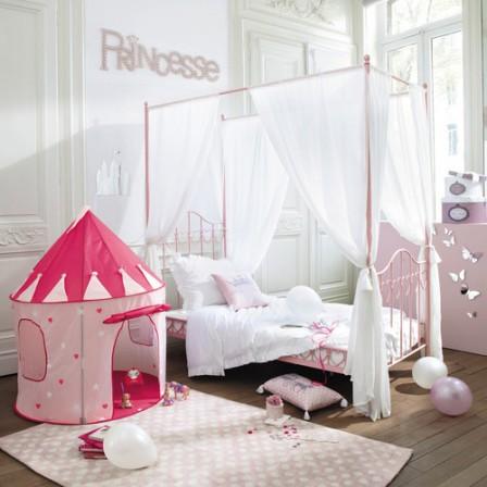 Decoration et mobilier chambre de fille baldaquin lit - Voilage maison du monde ...