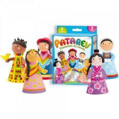 Patarev Princesses du monde contient 5 pots de patarev de différentes couleurs, 6 robes prédécoupées et une méthode pas à pas pour réaliser de magnifiques petites poupées des 5 continents.