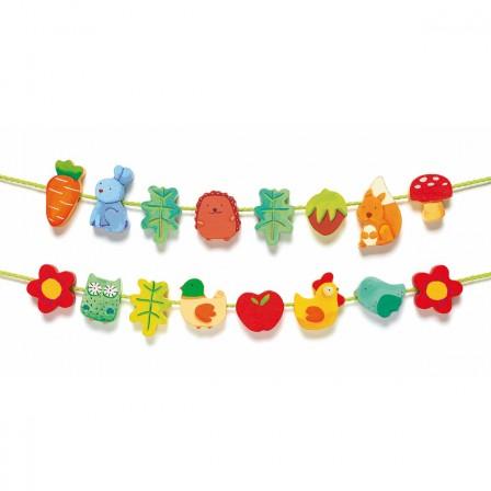 Perles en bois pour composer de jolis colliers jeux et - Perle pour enfant ...