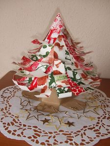 sapin de noel en papier et en 3 d bricoler avec les. Black Bedroom Furniture Sets. Home Design Ideas