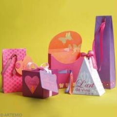 noel fabriquer un sac d 39 emballage de cadeau original bricoler et pr parer no l avec les. Black Bedroom Furniture Sets. Home Design Ideas