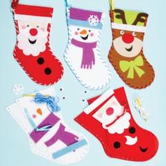 couture noel coudre des chaussettes de noel en feutrine activités manuelles enfant pas cher facile originale.jpg