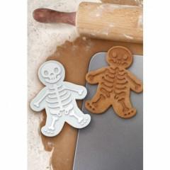 moule emporte pièce biscuit squellette halloween biscuit pour halloween facile et pas cher.jpg