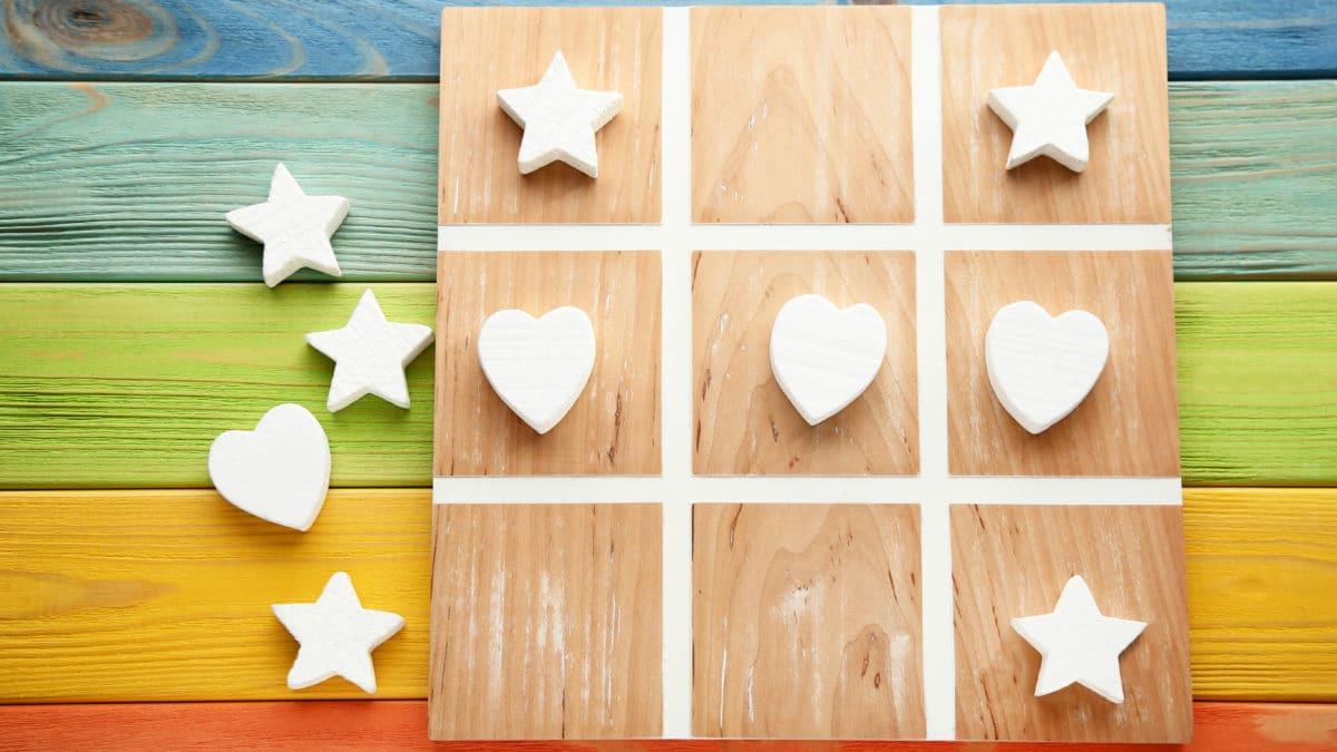Travaux manuels avec les enfants : des idées pour décorer un coeur en bois ou en carton – Activités manuelles avec les enfants