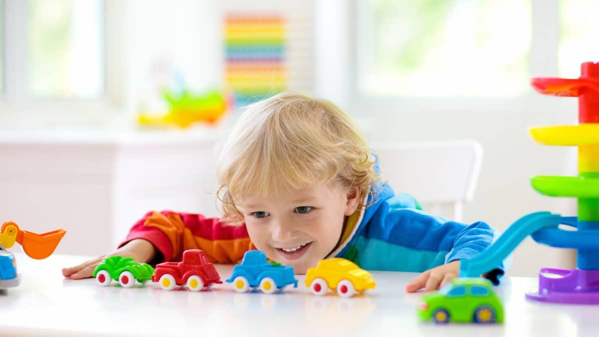 Idée cadeau pour les enfants – véhicule aimanté pour les gars de 18 mois à 4 ans