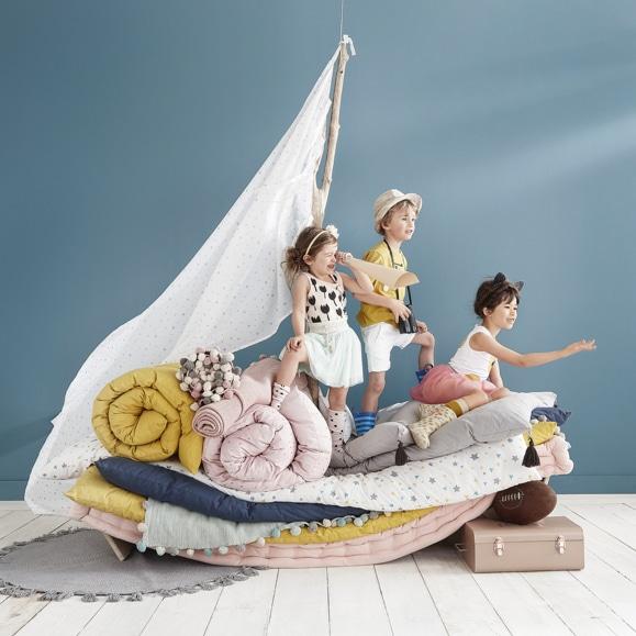 Aménager la chambre d'un enfant avec la déco : Matelas de sol multicolore pour la chambre des enfants de 3 à 10 ans
