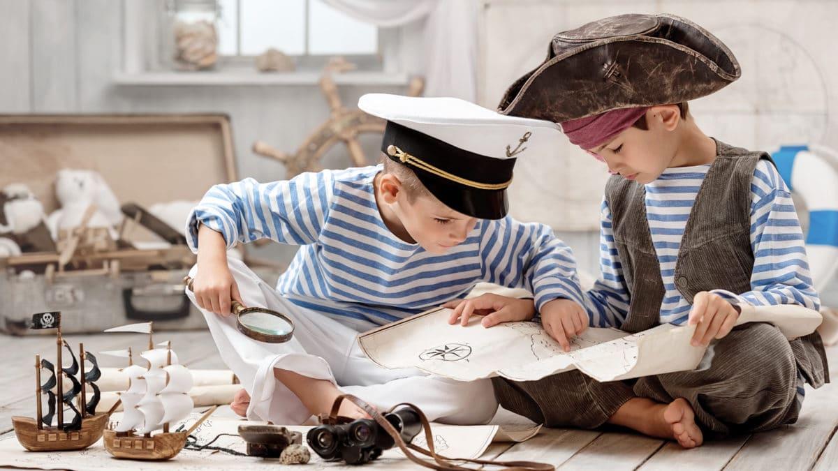 Décorer la chambre d'un garçon sur le thème des pirates : linge de lit, accessoires et déco de pirate