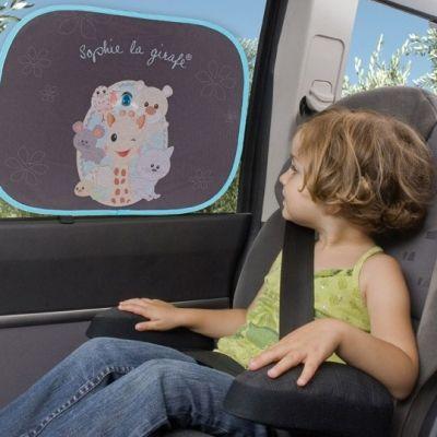 Protéger bébé du soleil dans la voiture avec le pare-soleil Sophie la Girafe avec arche d'activités – Accessoires protection solaire pour bébé