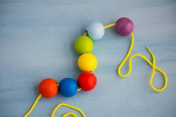jouer avec des perles