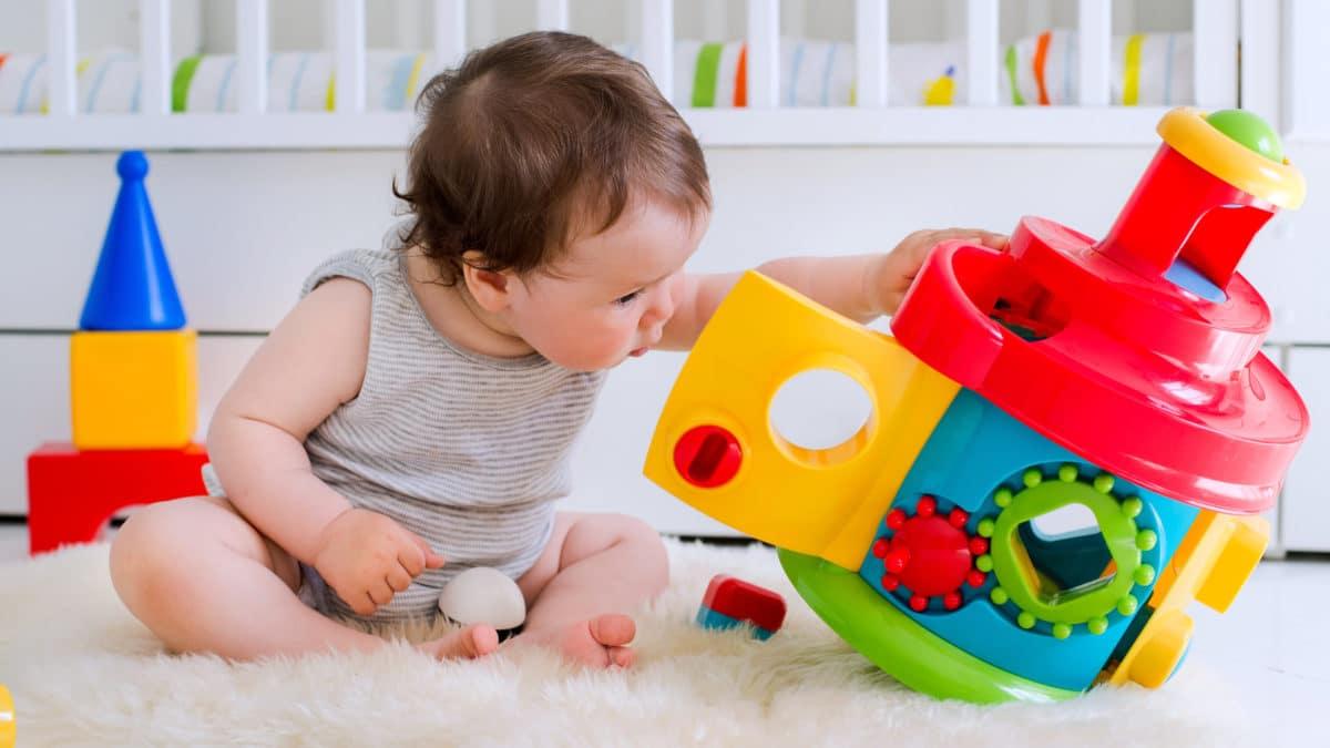 Jeux et jouets d'éveil éducatif pour les enfants à partir de 1 an (12 mois) – Idées de cadeau à offrir pour noel  ou un anniversaire
