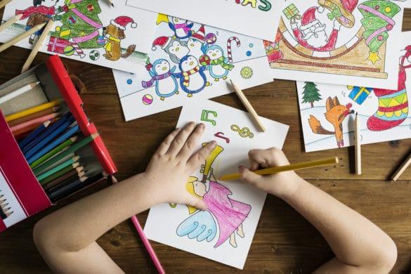 enfant dessine noel