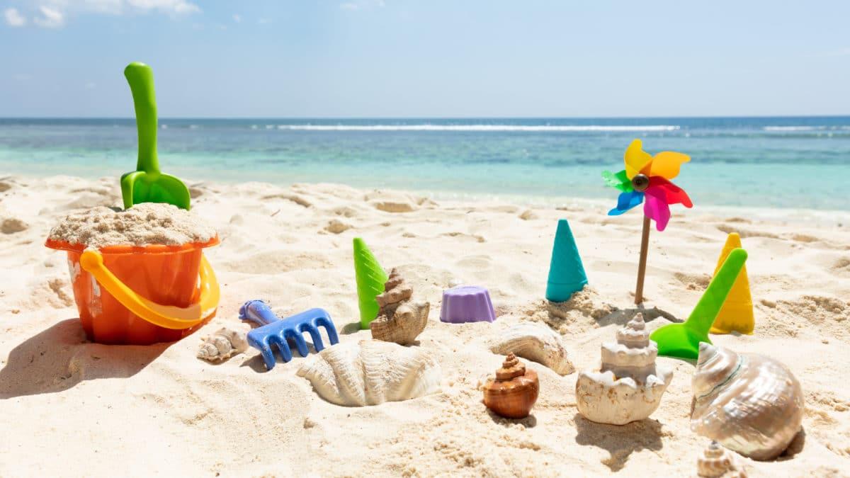 Château de sable à constuire – Moules et jouets pour construction à la plage – jouer dans le sable