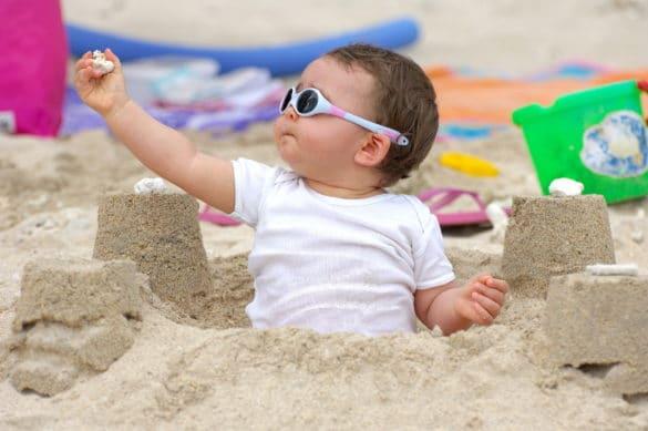 protection solaire bébé pour la plage