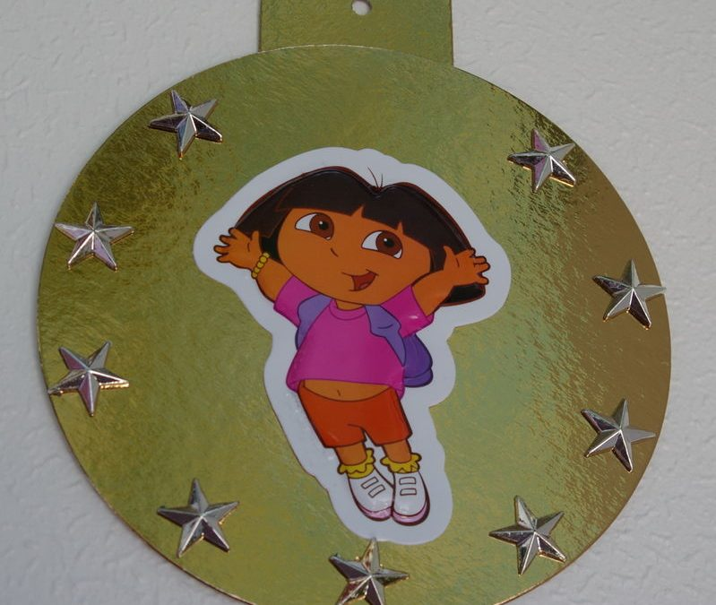 Activités bricolage de noel pour enfant : fabriquer des boules et des décorations pour Noël