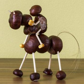 idée pour créer avec des marrons le cheval et son cavalier