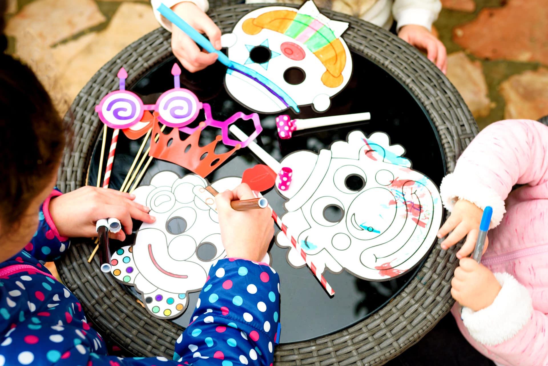 Activité Manuelle Avec Du Papier Peint fabriquer masque pour le carnaval : idées bricolage pour