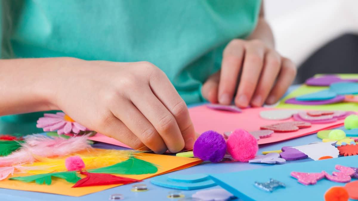 Loisirs creatifs pour enfant, materiel bricolage pour enfant : idées creatives, activites manuelles avec enfant 3 ans, 4 ans, 5 ans, 6 ans, 8 ans et plus