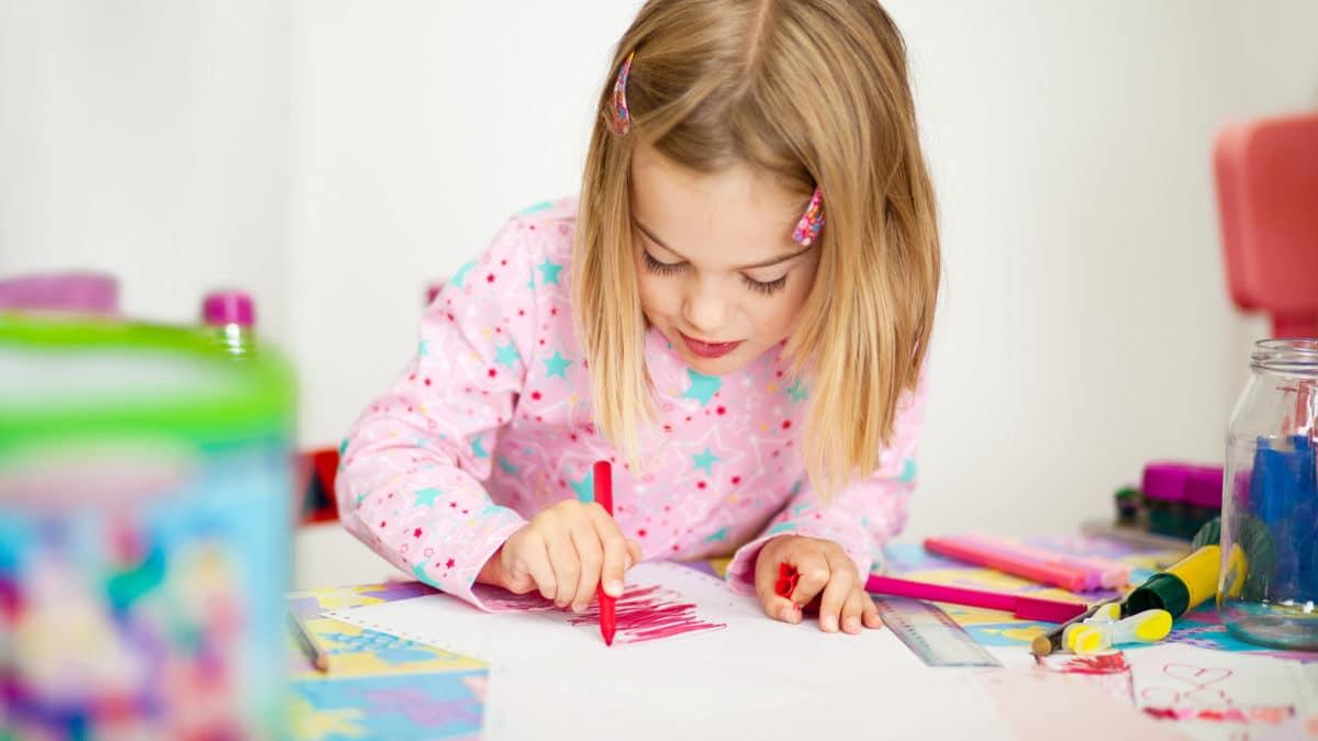 Barbie : coloriage, jeux et activités avec Barbie ; cahier de coloriages et d'activités barbie avec autocollants ; bloc dessin top model barbie