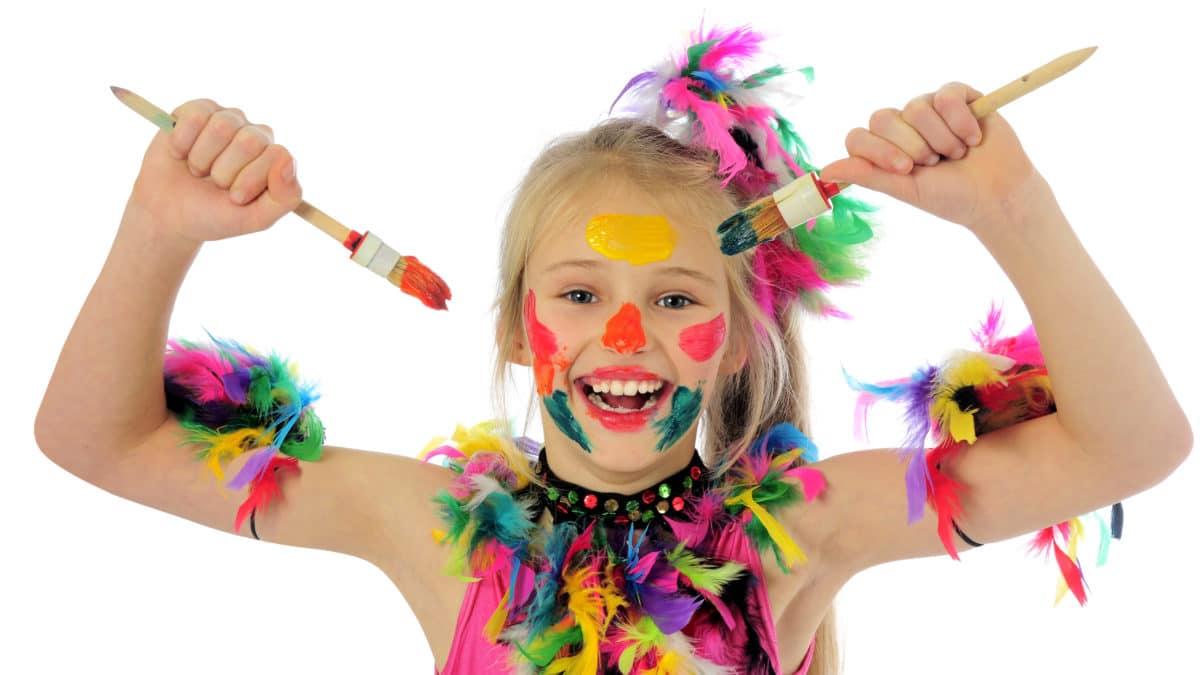 bricolage enfant pour le carnaval : fabriquer deguisements, chapeaux et accessoires pour le carnaval et mardi gras ; activités carnaval pour enfants
