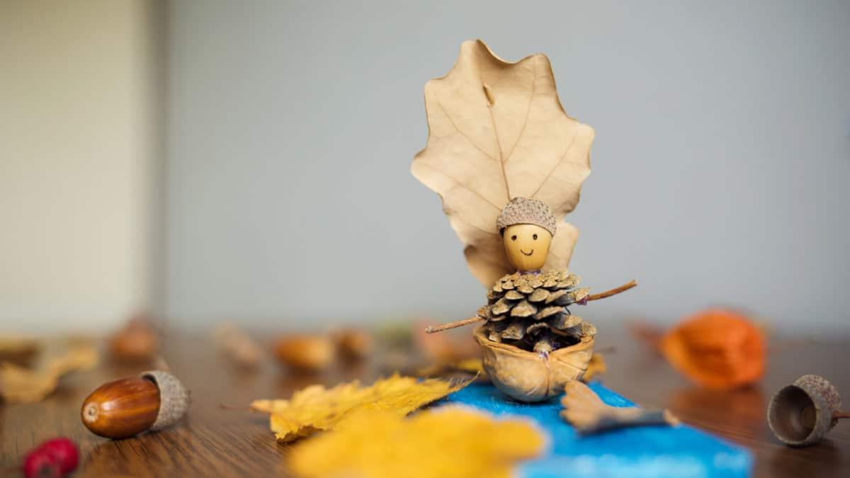 Bricolage sur le thème de l'automne – Idée de bricolage et d'activités manuelles avec des feuilles d'automne – Idée créative pour enfant