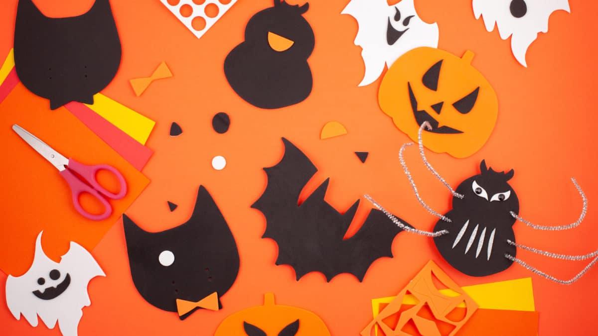 fabriquer de la décoration pour Halloween, une araignée en carton – Bricolage, activités manuelles avec les enfants pour Halloween
