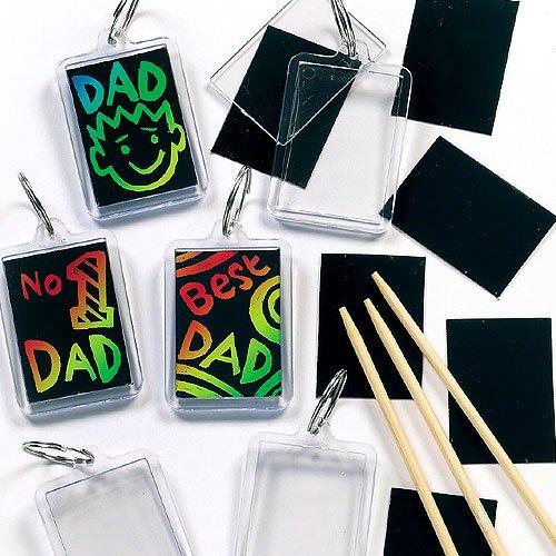 Fête des pères : bricolage enfant, activités manuelles maternelle, des idées pour fabriquer des cadeaux pour les papas et du matériel pas cher