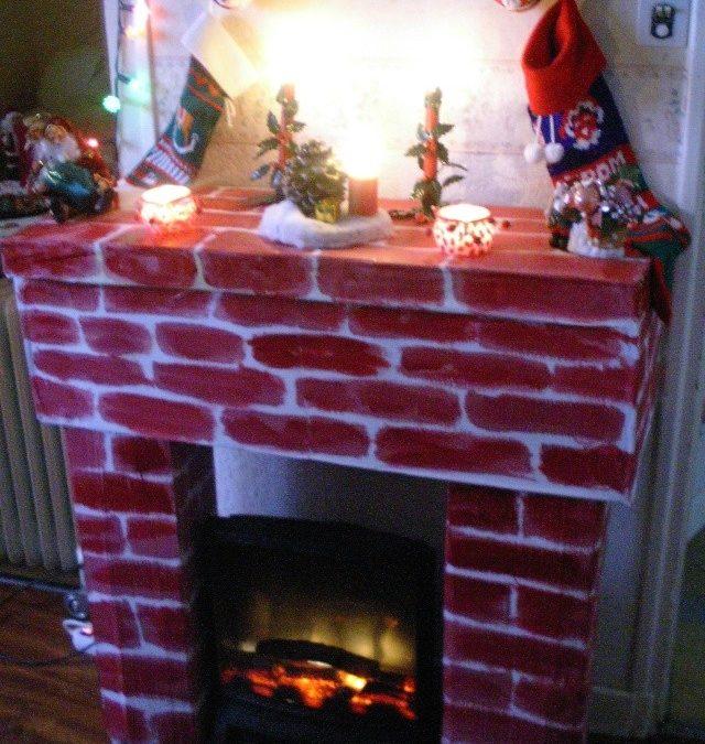 Fabriquer une cheminée en carton pour acceuillir le père-Noel – Decoration de Noël en carton