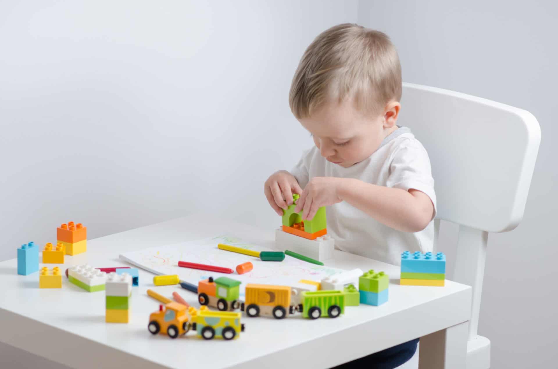 motricit jeux et jouets id es cadeaux pour enfant de 12. Black Bedroom Furniture Sets. Home Design Ideas