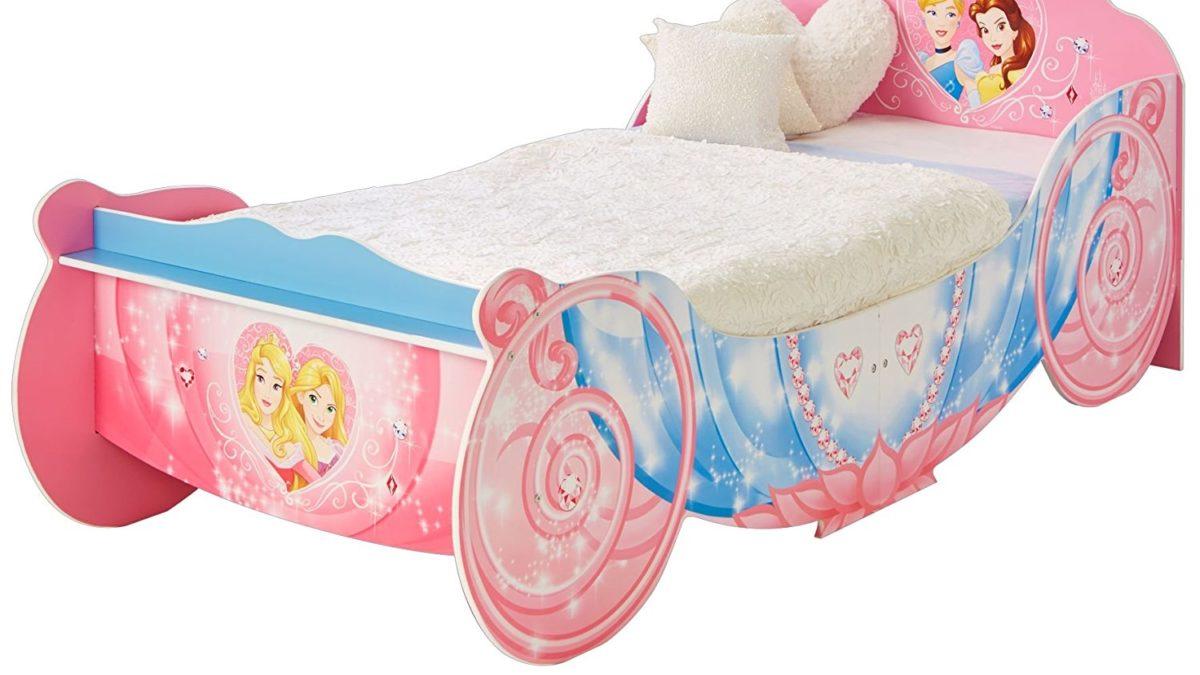 Lit pour les princesses : le lit rose en forme de couronne à ...
