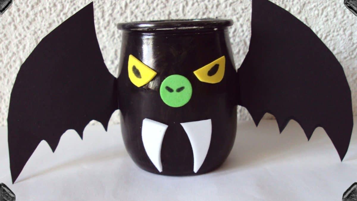 Bricolage d'halloween : fabriquer un photophore chauve souris ou citrouille pour décorer la maison pour halloween