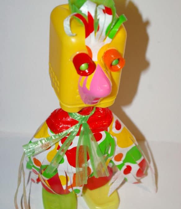 Pâques : bricolage enfant avec du matériel de récup : la poulette ; idée créative pour enfant de maternelle, activités de Pâques