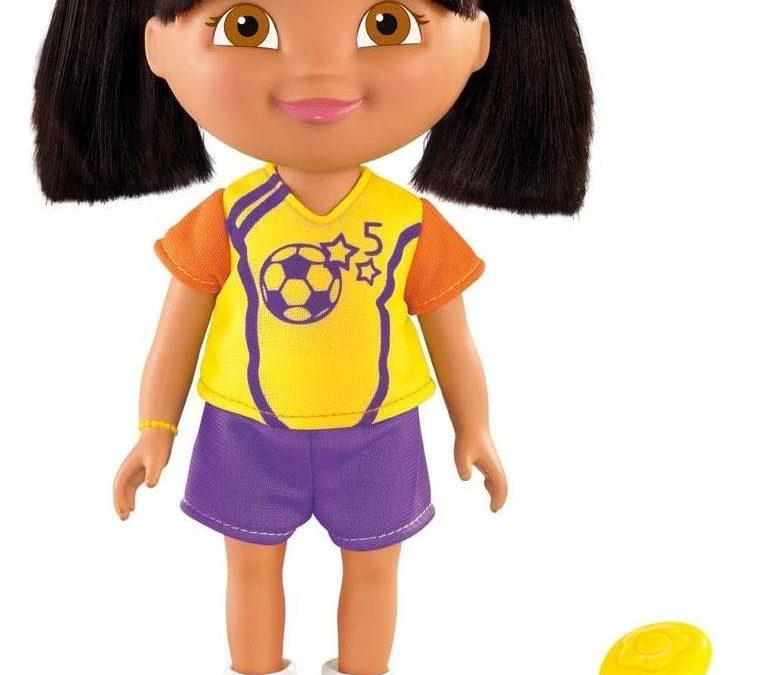 Idée cadeau pour un anniversaire d'enfant  : Dora, 4 poupées collection du monde
