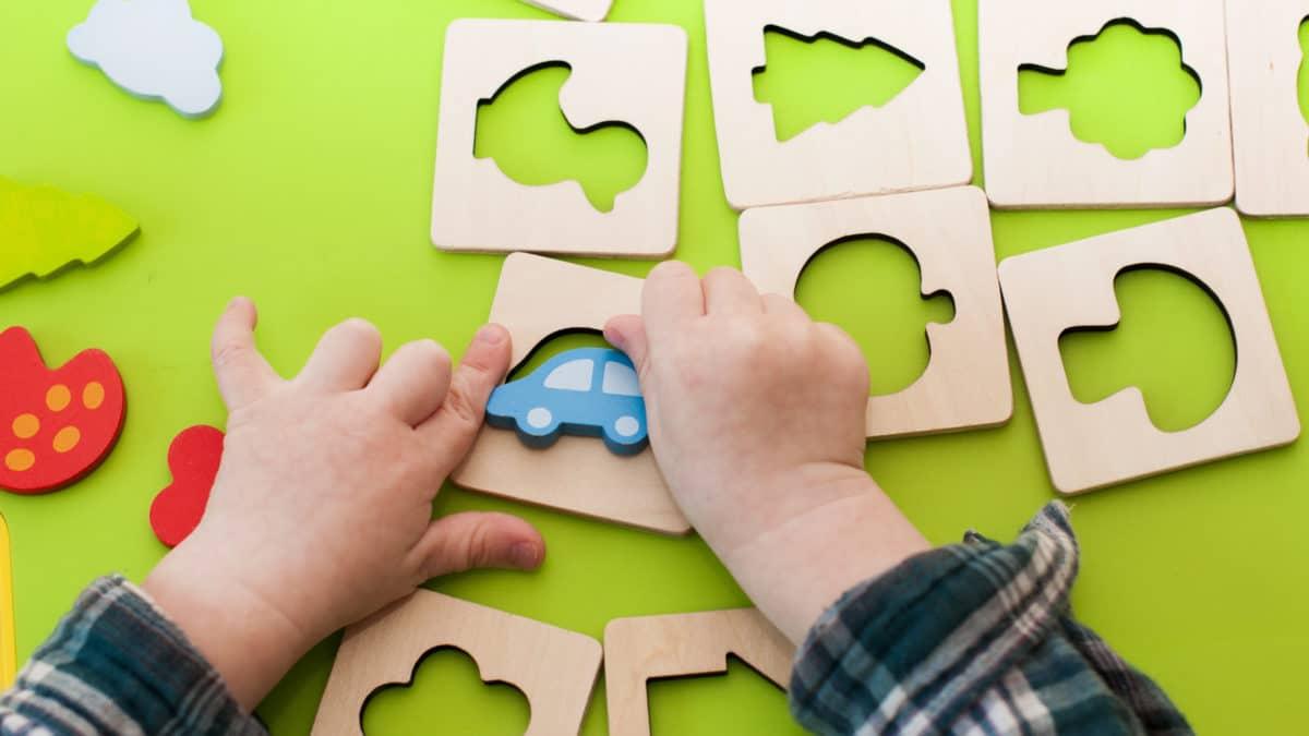 Jeux Montessori pour éveiller la curiosité des enfants