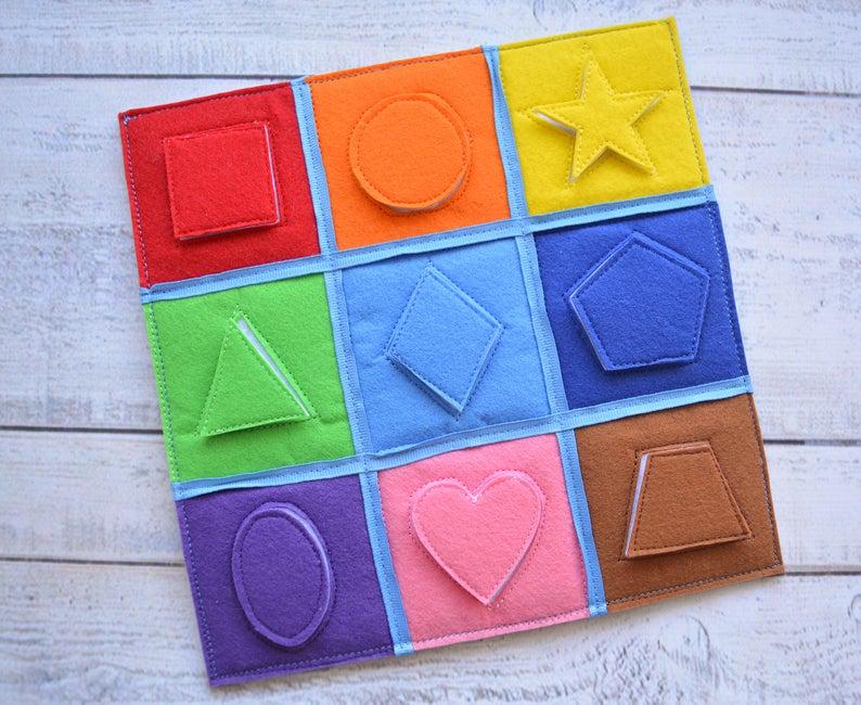 jeu à scratch pour bébé apprendre les couleurs