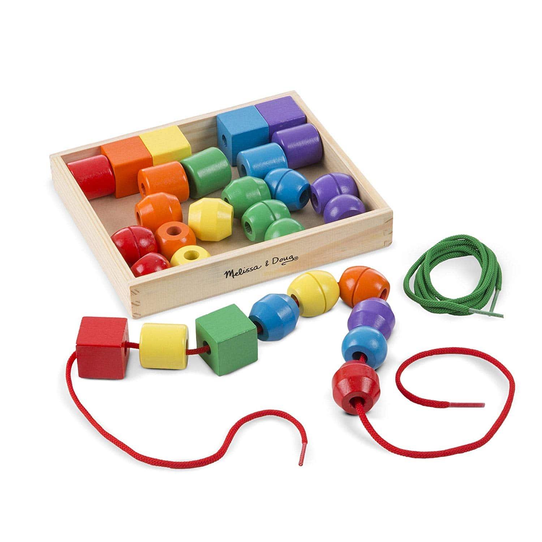 le collier de perles en bois, un loisir créatif pour les petits