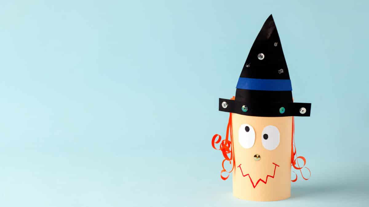 Bricolage De Sorciere D Halloween.Bricolage Sorciere Facile Avec Materiel De Recup Deniche Sur Pinterest Un Max D Idees
