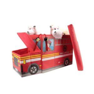 ranger des jouets dans une caisse pompier