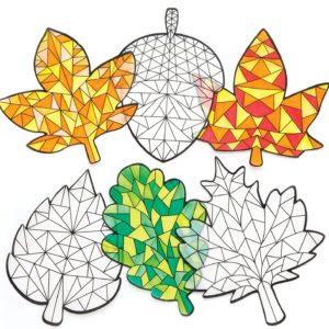 bricolage automne coloriage feuille pour décorer fenêtre