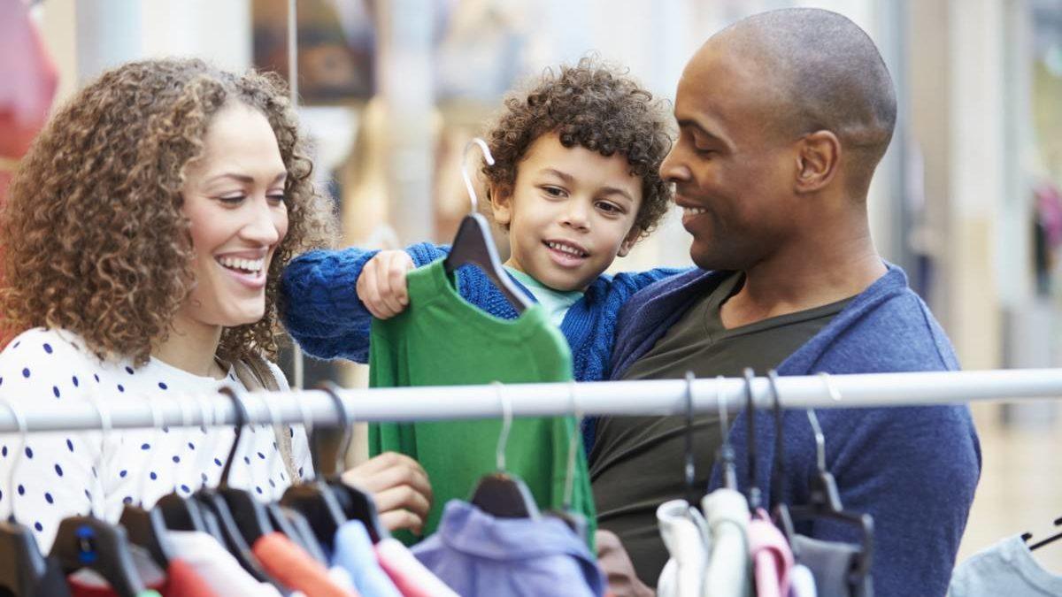 Ces vêtements pratiques et mode pour les enfants