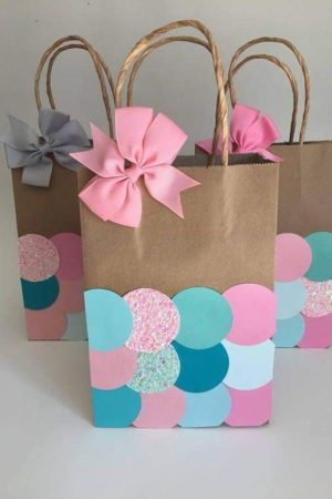decorer un sac cadeau fête des mères idée