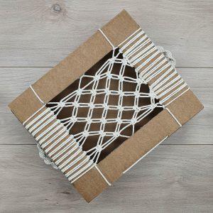 boite recyclé avec fil blanc